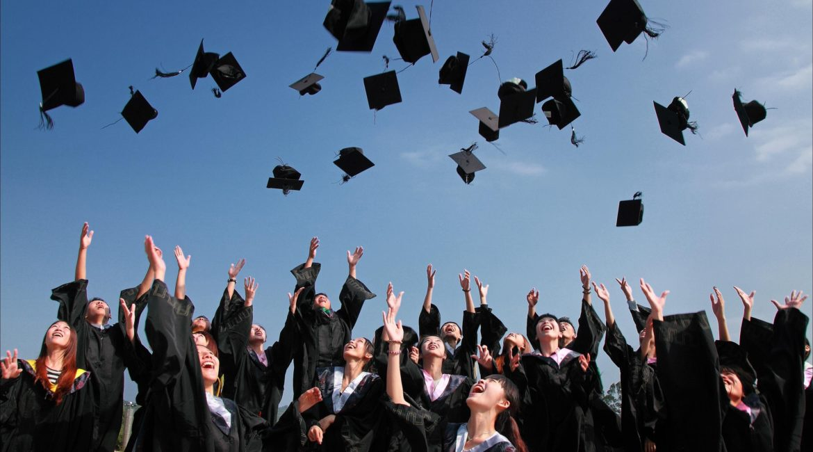 If you know a recent college grad, here's how you can help them during this time of high unemployment rates.
